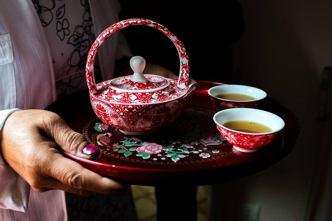 ceremonie du the lors de ce mariage chinois