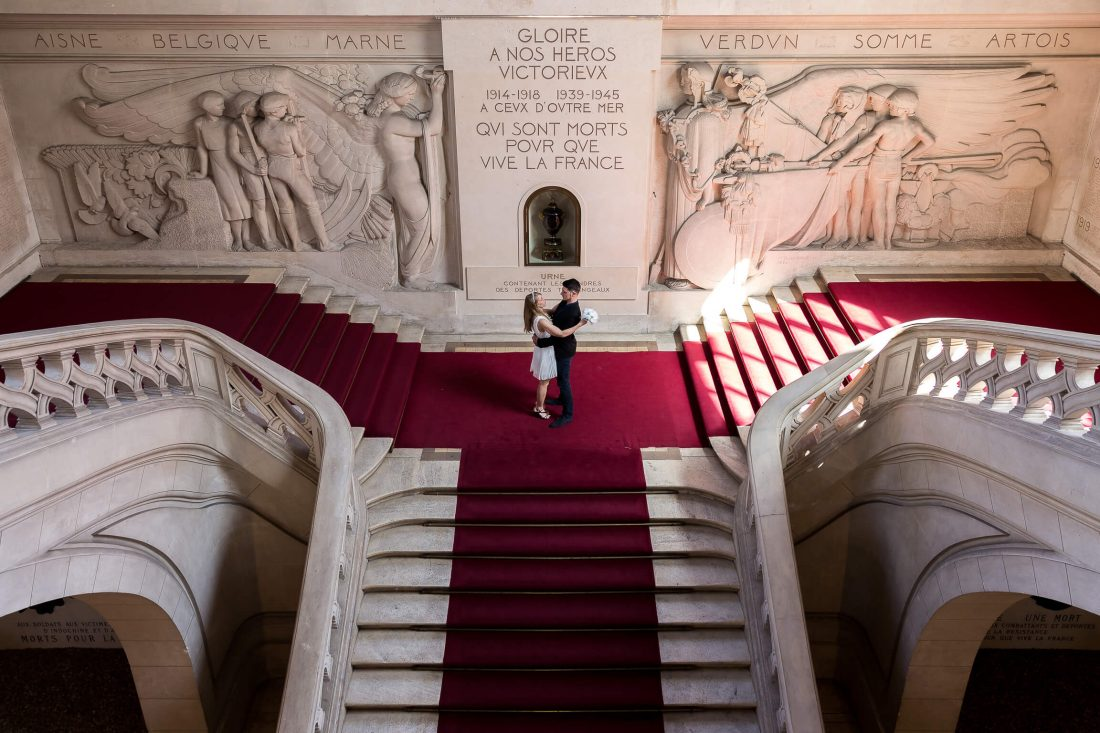 escaliers de la mairie de Tours apres la ceremonie civile