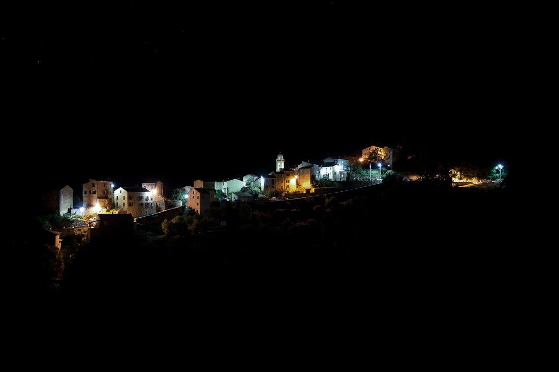 Castiglione village corse la nuit