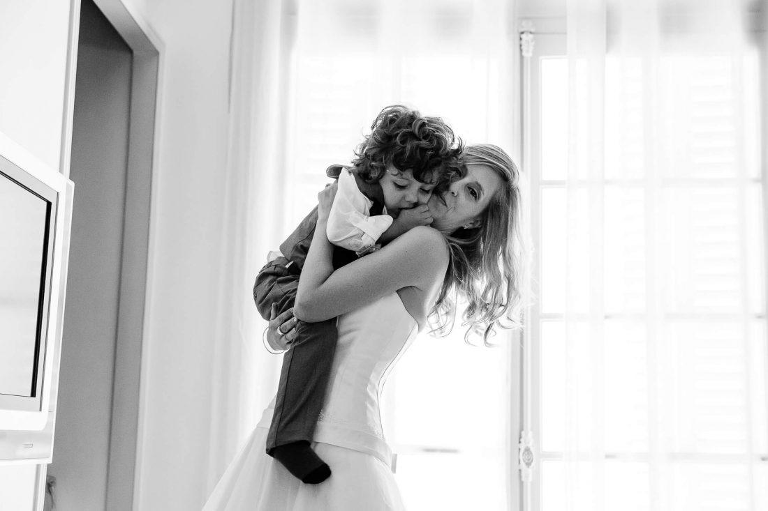 preparatifs avec la mariee et son fils