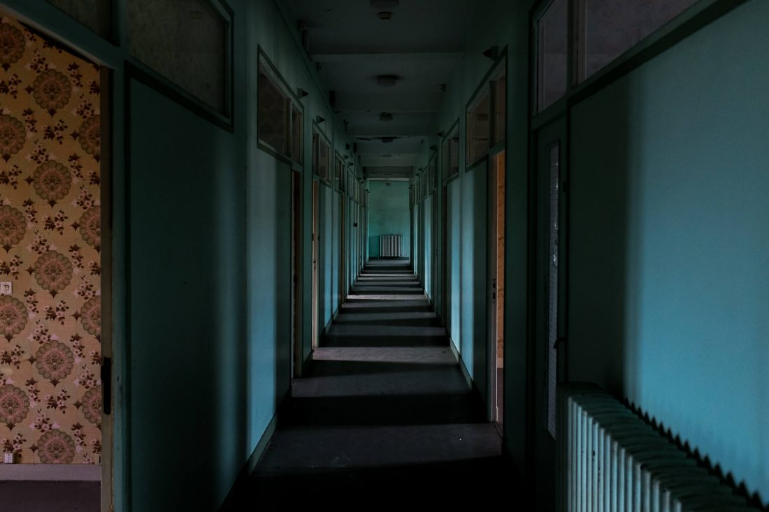 couloir lors d'un urbex
