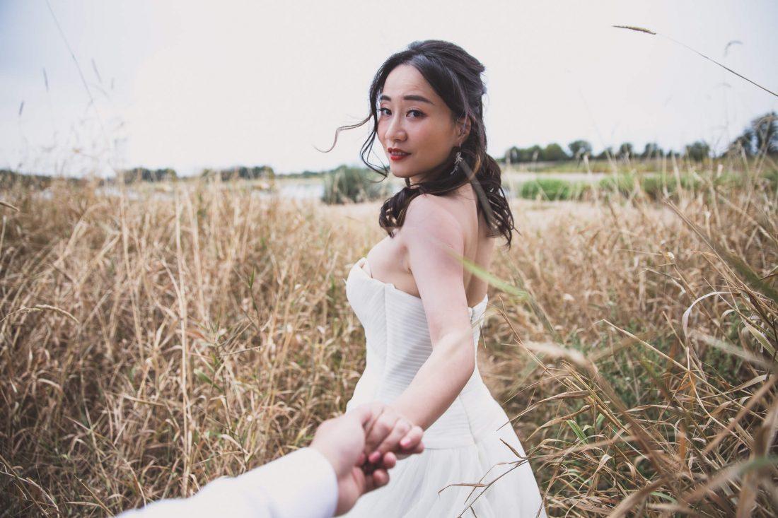 Shooting photo mariage et selfie en bords de Loire a Amboise pour ce couple de chinois