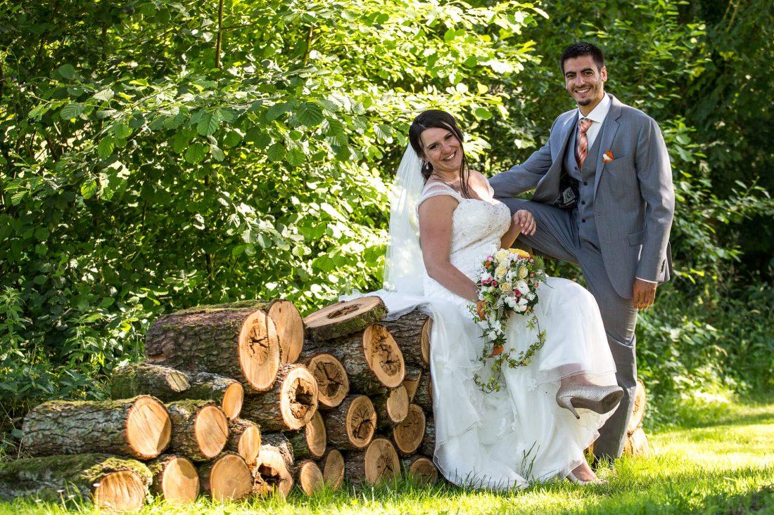 photo de couple champetre dans le domaine du chateau