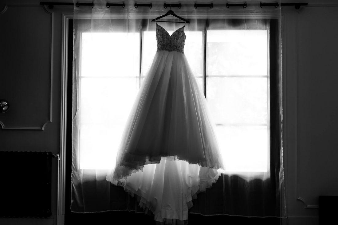 la robe de mariee pendant les preparatifs